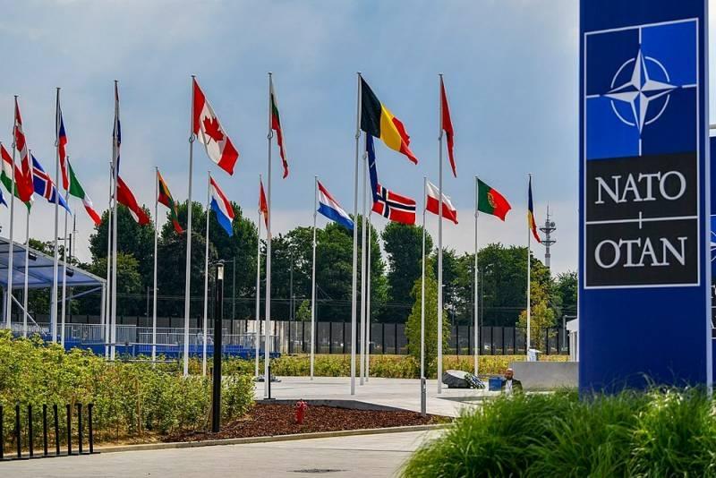США: Россия и НАТО должны помогать друг другу в борьбе с вирусом