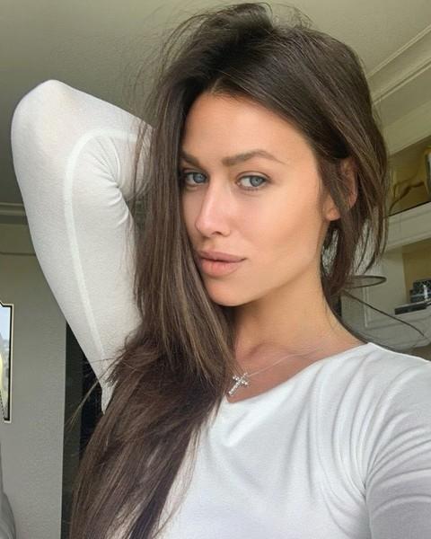 Жена Евгения Малкина: «Хочется натянуть растянутую майку и ходить с пучком по дому. При муже такого не позволяю»