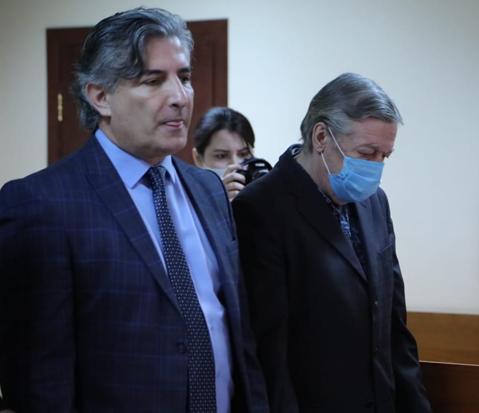 Адвокат попросил для Ефремова четыре года условно