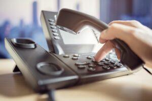 Почему городской номер телефона важен для бизнеса