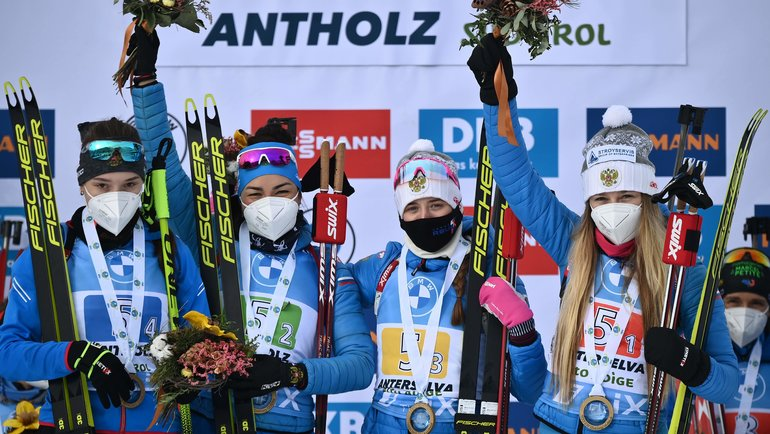Женский биатлон вернулся! Россия выиграла последнюю эстафету перед чемпионатом мира