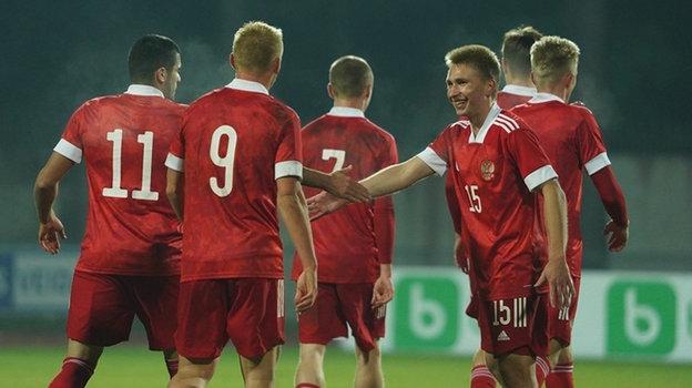 Молодежка забила три гола зашесть минут. Россия крупно обыграла Литву