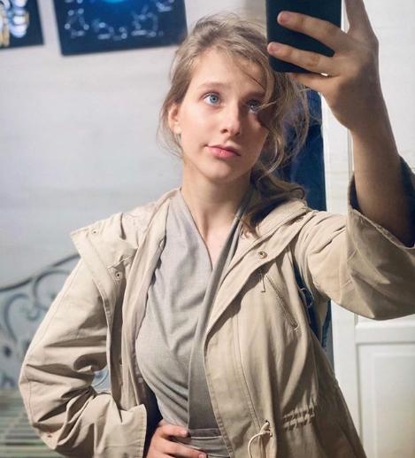 Арзамасова выложила трогательные фото со своим «экранным папой» Андреем Леоновым